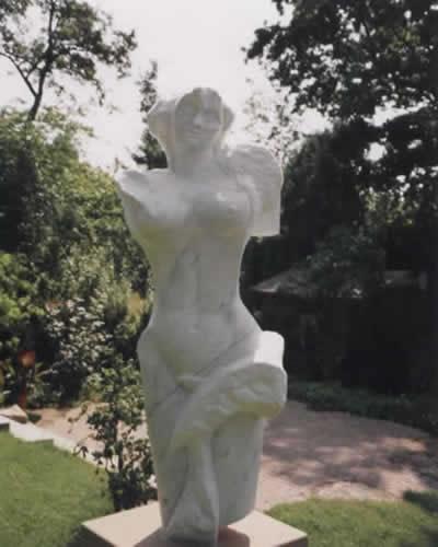 statue002